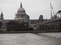 21. St. Paul's Cathedral a Millenium Bridge